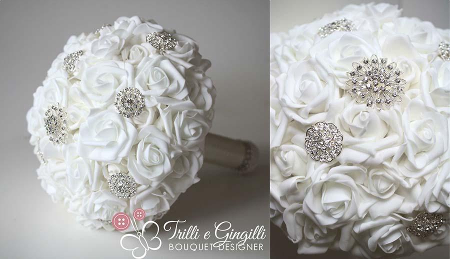 bouquet semplice rose bianche gioiello