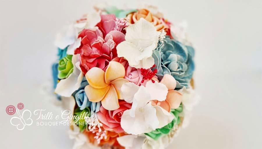 bouquet di peonie rose frangipani colorato